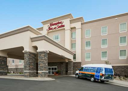 Welcome to the Hampton Inn Minot Airport!