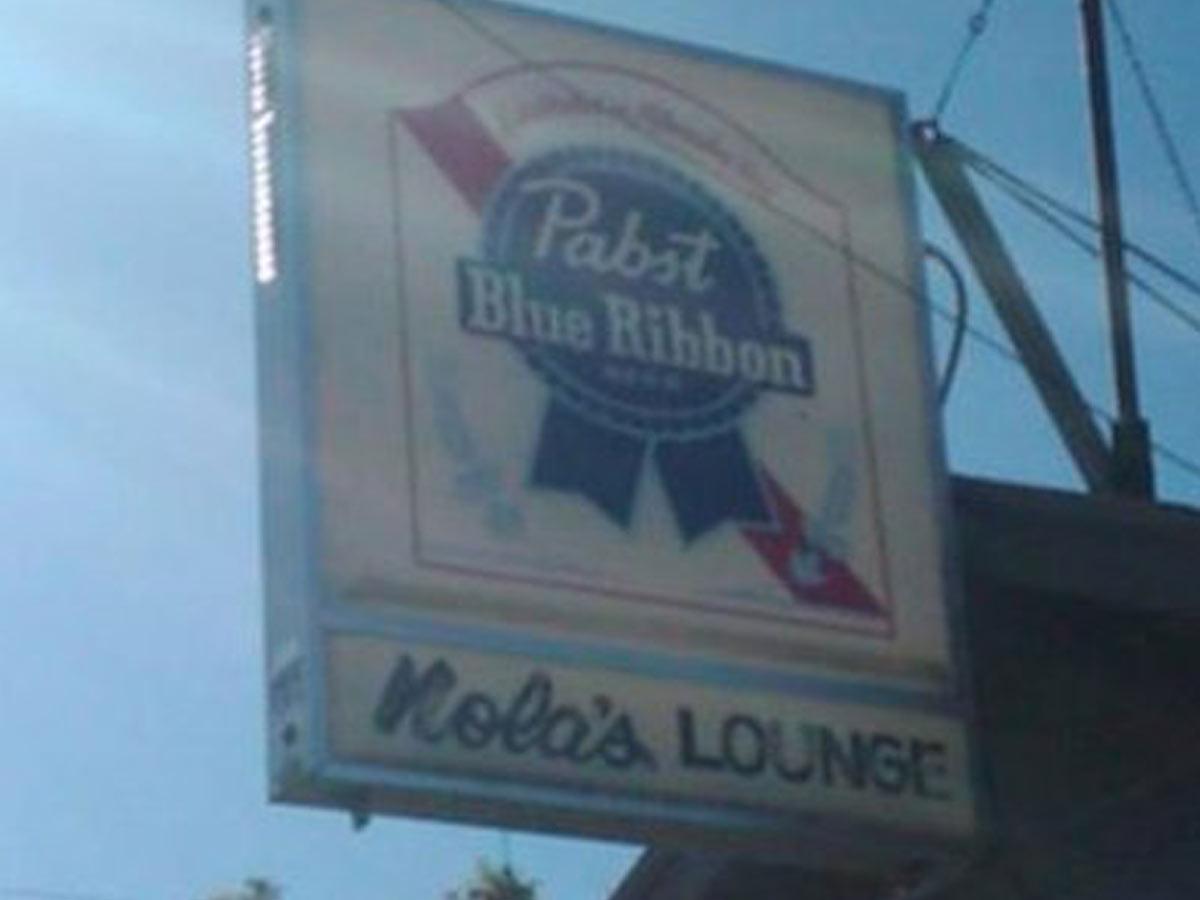 Nola's Lounge