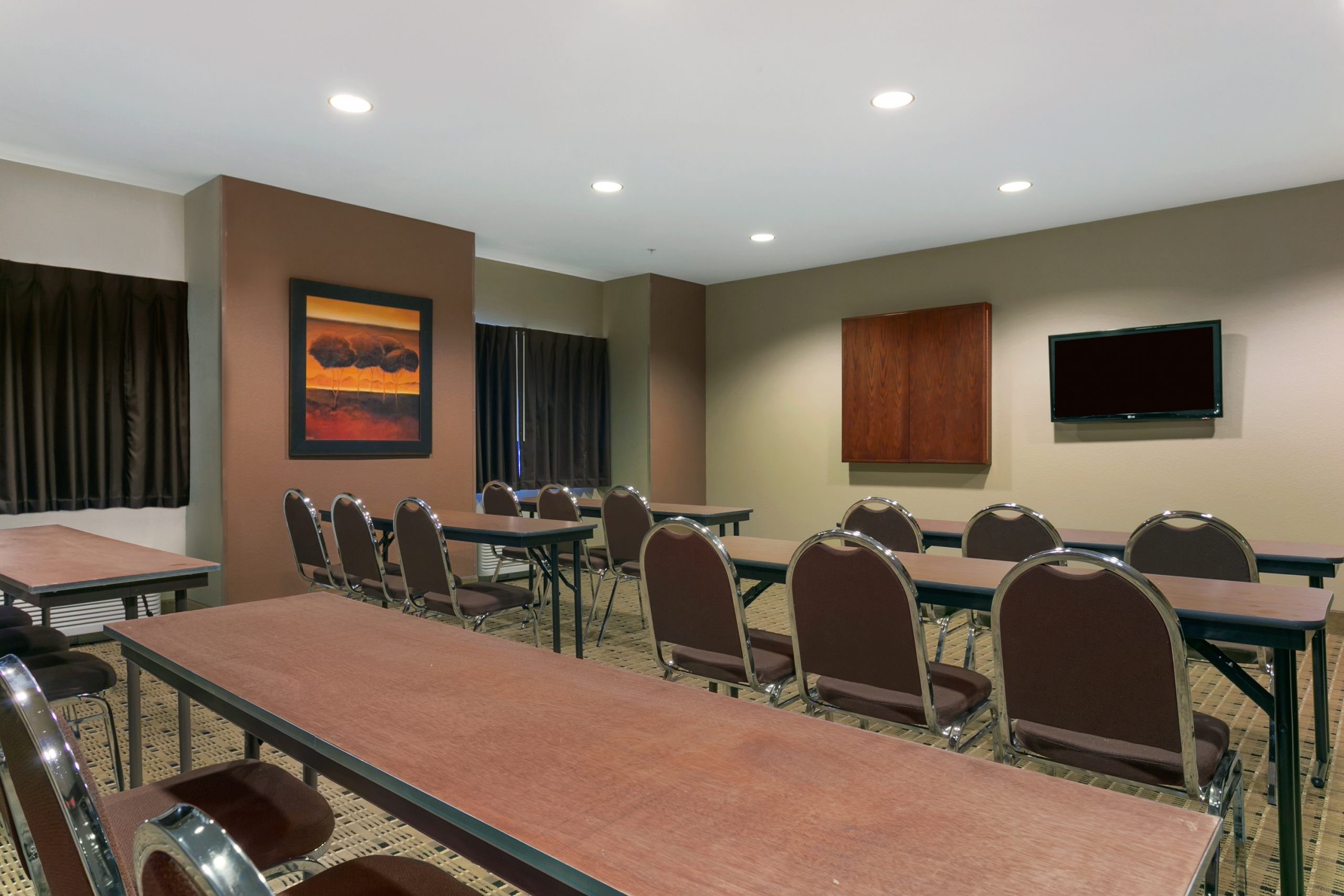 Microtel Meeting Room (Minot)