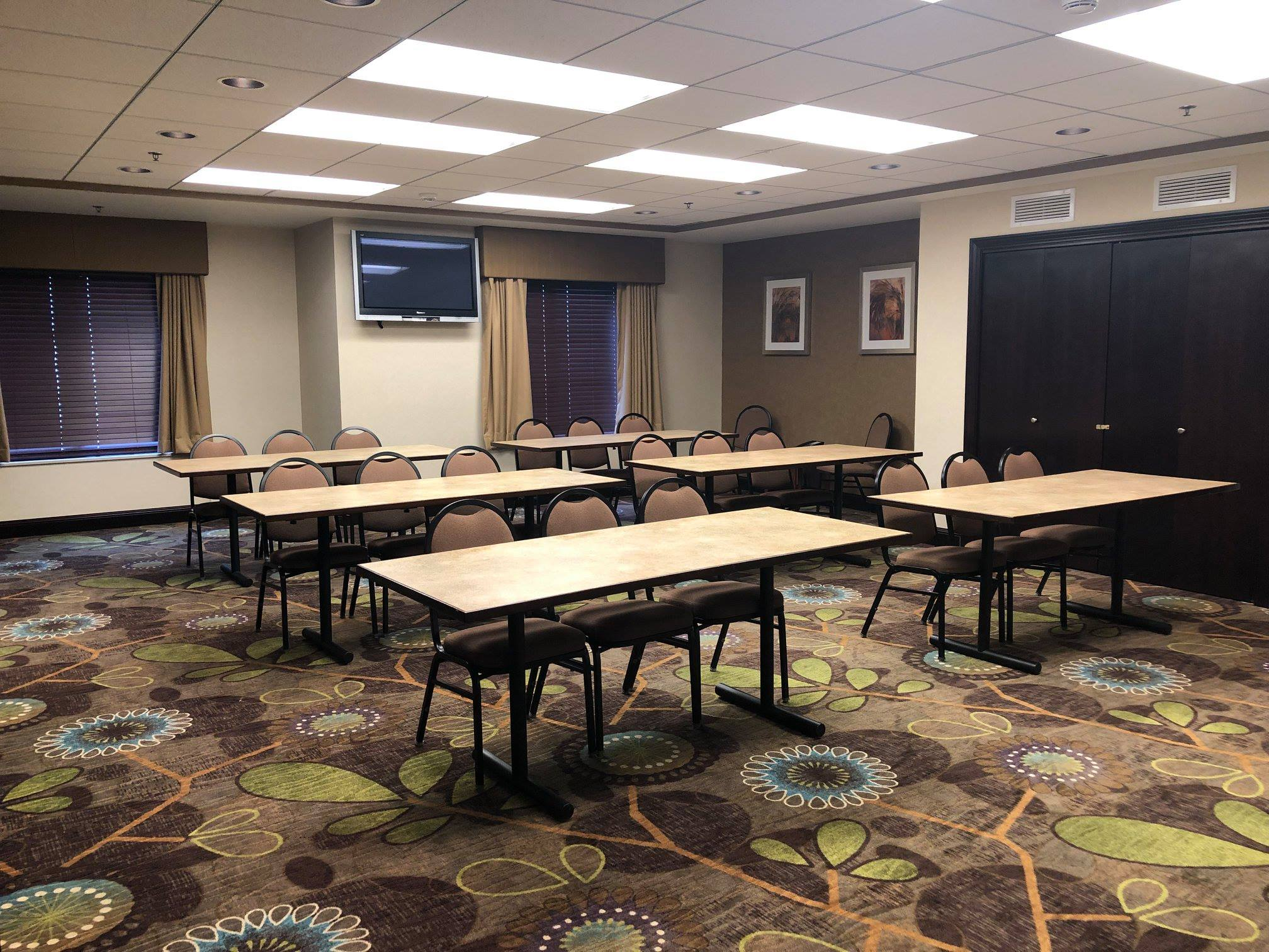 Holiday Inn Express meeting space 2