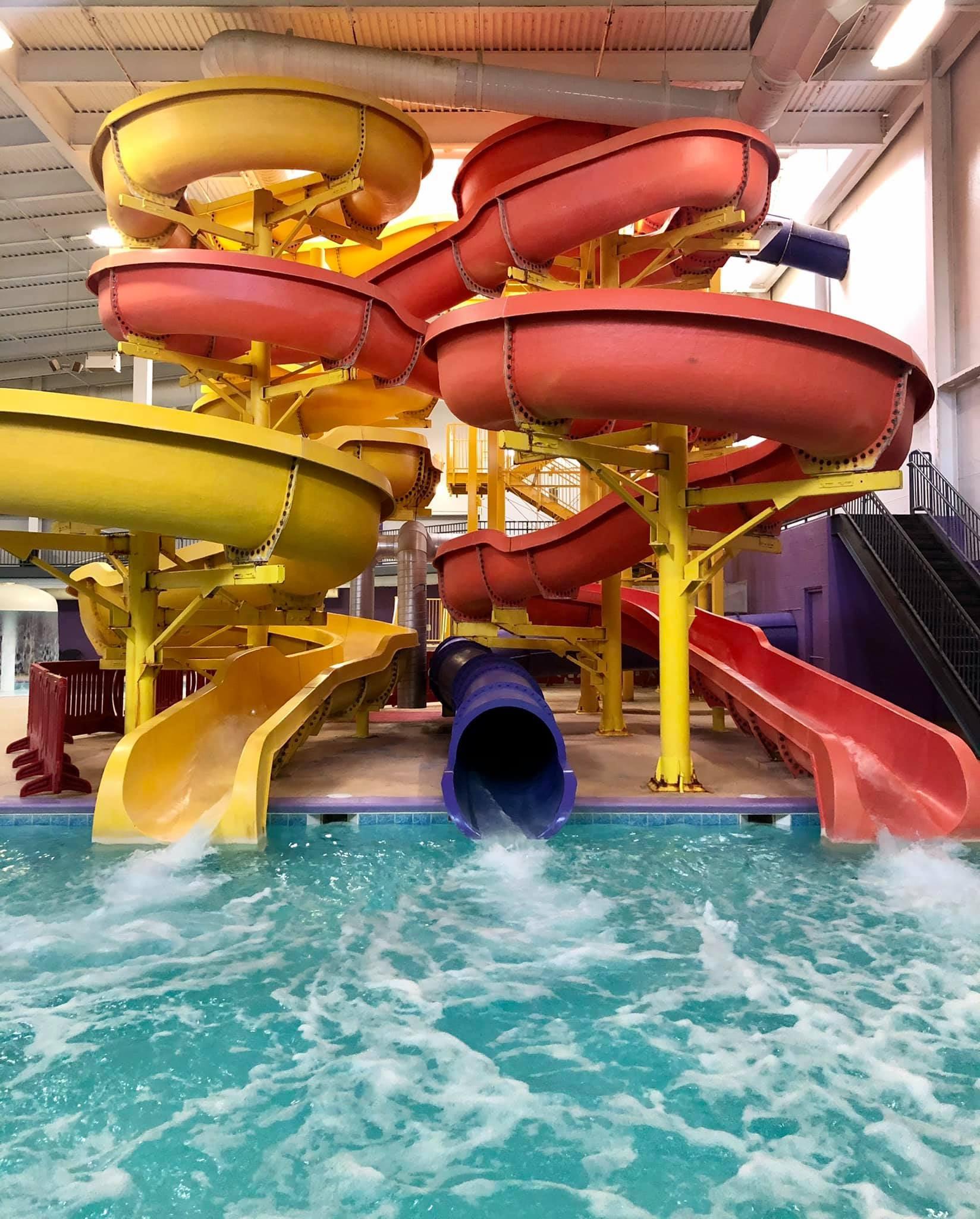 Dakota Splashdown, Indoor Pool, kid friendly, minot hotel, family friendly, play, minot fun, pool, super slides, waterslide, indoor waterpark